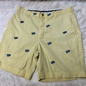BrookeBrothers 36 pale yellow shorts blue fish